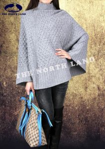 Ladies′ 100% Cashmere Computer Knit Cape pictures & photos