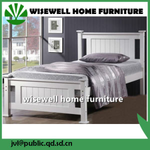 Solid Pine Wooden Single Bed (W-B-0092) pictures & photos