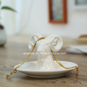 White Ceramic Animal Shaped Home Decoration (CC-02) pictures & photos