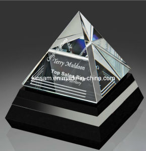 New Crystal Glass Pyramid Trophy for Craft pictures & photos