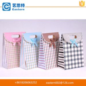 Die Cut Handle Paper Bag pictures & photos