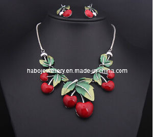 Resin Cherry Necklace Set/Fashion Jewelry Set (XJW13207) pictures & photos
