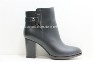 Medium Thick High Heels Leather Women Boots pictures & photos
