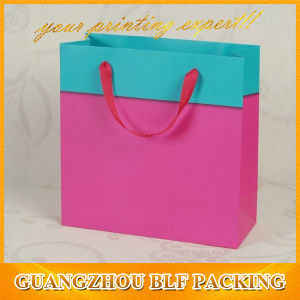 Two Color Wholesale Gift Bags pictures & photos
