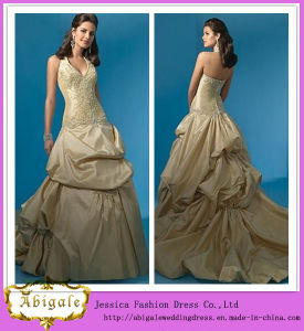 2014 Charming Aline Halter Sleeveless Ruffle Floor Length Halter Gold Wedding Dresses (hs035) pictures & photos