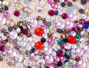 Natural Crystal Hotfix Stones DMC Rhinestones Strass for Dressing Rgd-007 pictures & photos
