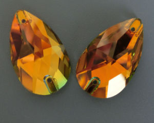 Teardrop Sew on Crystal Rhinestones Beads pictures & photos