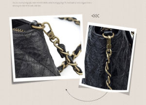Spring Summer Latest Fashion Retro Flip Genuine Leather Chain Lady′s Shoulder Handbag pictures & photos