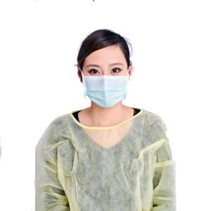 Disposable Lightweight Yellow Multi-Ply Fluid Resistant Isolation Gowns pictures & photos