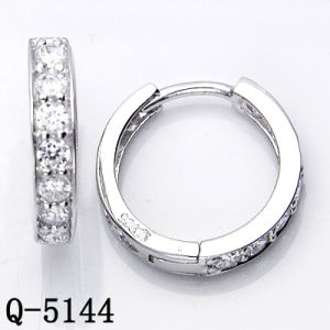 Factory Wholesale Silver Earrings Jewelry with CZ pictures & photos