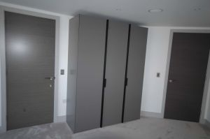Small Simple Wardrobe Closet for Hotel pictures & photos