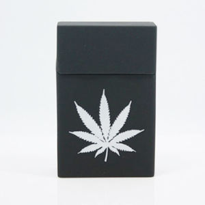 Popular Design Leaf Shaped Waterproof Soft Silicone Eco-Friendy Cigarette Case pictures & photos