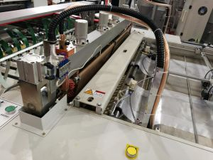 Automatic Single Layer Single Line T-Shirt Bag Machine (SSH-700s) pictures & photos