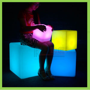 16 LED Light up Cubes Lighted Display Cubes in RGB pictures & photos