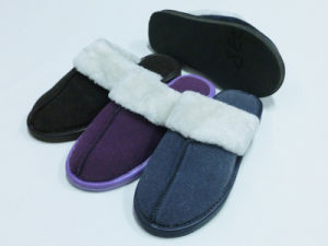 Hot Sale Warm Winter Indoor Comfort Nice Soft Slipper for Ladies pictures & photos