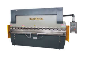 Hydraulic CNC Press Brake Machine (WC67K-200/6000) European Standard pictures & photos