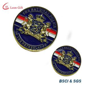 Customized 3D Gold Metal Lion Pin Badge pictures & photos