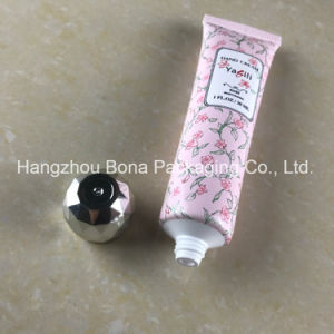 2017 Hot Selling Matte Finish White PE Tube with Matte Cap pictures & photos