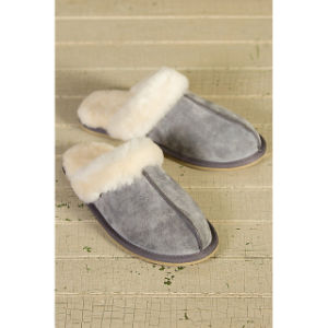 Winter Sheepskin Leather Women Slipper pictures & photos