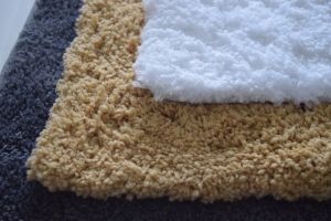 Soft Tufted Microfiber Polyester Floor/Door/Bath Rugs pictures & photos