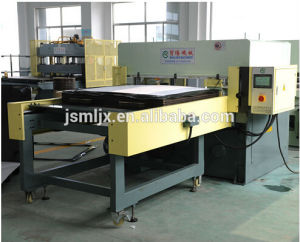 Single Side Feeding Precision Four-Column Fabric Cutting Machine/Leather Cutting Press pictures & photos