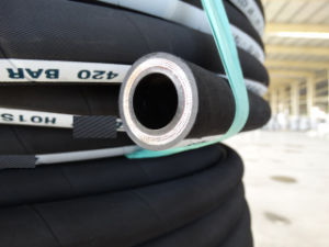 DIN / En 856 4sp Flexible High Impulse Hydraulic Rubber Hose pictures & photos