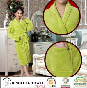 Super Soft Solid Color Coral Fleece Bathrobe Df-8822 pictures & photos