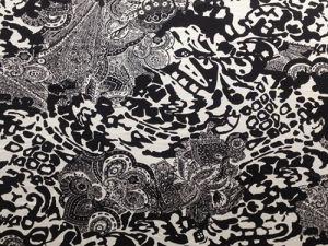 Silk Cdc Print in Black/White Flower Design