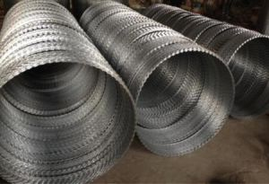 China Supplier Galvanized Razor Barbed Wire pictures & photos