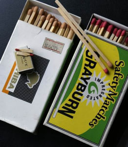 Cardboard Material and Household Usage European Standard Safety Match pictures & photos