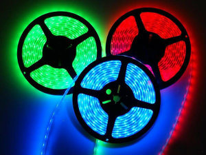 30LED 12V RGB LED Strip 5m/Roll pictures & photos