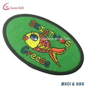 Factory Custom Fashion Iron on/Sew on Embroidery Patch pictures & photos