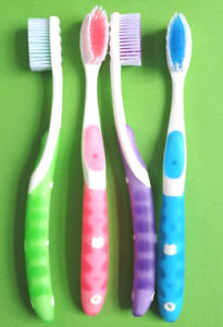Fashion 2014 Adult Toothbrush with Tongue Cleaner pictures & photos