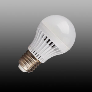 Plastic Cheap Energy Saving LED Lamp (12W) pictures & photos