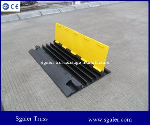 Easily-Install Traffic Speed Hump/Road Speed Bumps/Cable Ramp pictures & photos