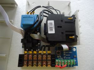 Digital Submersible Pump Controller, Three Phase pictures & photos