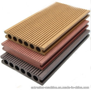 WPC Decking Flooring for Outdoor Use by ISO9001 Qualified