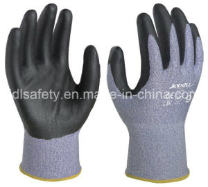 18 Gauge Anti-Cut Safety Glove with Nitrile Coating (K8092-18) pictures & photos
