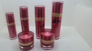 Qf-A3908 Red Round Bottle pictures & photos
