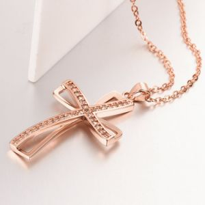 Europe New Design Personality Crosswise Shape Zircon Pendant Rose Gold Necklace pictures & photos