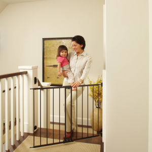 Baby Safety Gate Distributor Gates Child Protection Fence pictures & photos