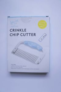 Wavy Crinkle Cutting Tool Serrator Salad Chopping Knife and Vegetable French Fry Slicer, Steel Blade pictures & photos