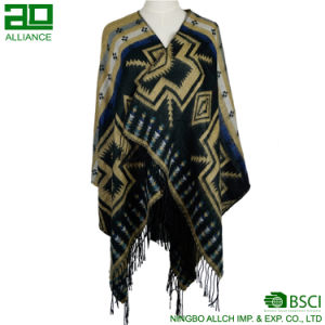 Fashion Jacquard Women Shawls with Tassels pictures & photos