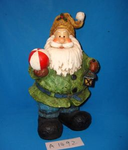 Resin Antique Santa Claus for Christmas Decoration pictures & photos