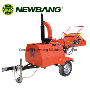 Red Wood Chipper with Universal Coupling Feeding System pictures & photos