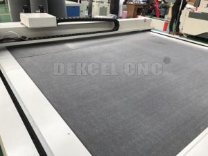 CNC Sponge Foam Cutting Machine Digital Printing Foam Board Kinfe Cutter for Sale pictures & photos