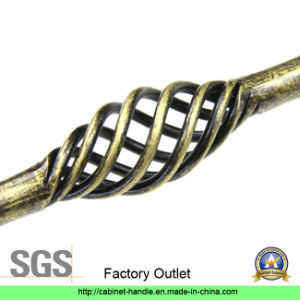 Factory Direct Sale Stainless Steel Furniture Hardware Cabinet Pull Handle (UC 02) pictures & photos