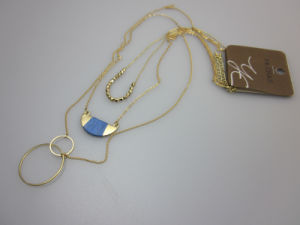 Three Pendant Necklace with Alloy Circle Fashion Accessory Jewelry pictures & photos