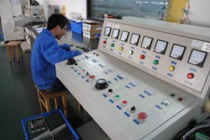 Three-Phase 11kw Current Vector Control Frequency Inverter pictures & photos