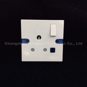 Bakelite 1 Gang 15A Switch Socket with Neon (407) pictures & photos